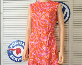 Vintage 60s does 20s Womens Mod Dress Flapper Style/Drop Waist/Pleated/Watercolor Orange Pink Purple/Laura of Dallas Medium/Theater Costume