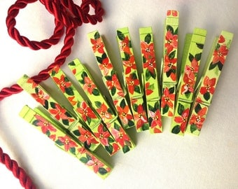 POINTSETIA CLOTHESPINS  hand painted magnets red and green