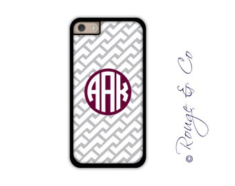 Monogram iPhone 6/6S * 6/6S PLUS * 5/5S * 5C personalized zig zag phone case in custom colors with monogram or name