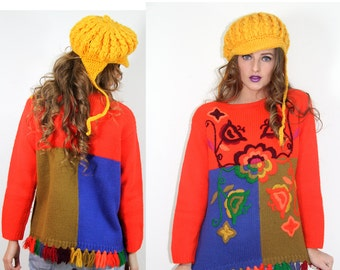 Sweater Vintage 70s EMBROIDERED Flowers Wool Sweater Hand-Knitted   // Vintage Clothing by TatiTatiVintage on Etsy