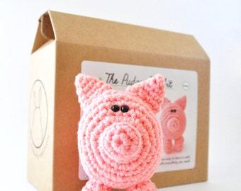 Pig Amigurumi Kit, Crochet Kit, DIY Kit, Learn to Crochet, Amigurumi Pattern