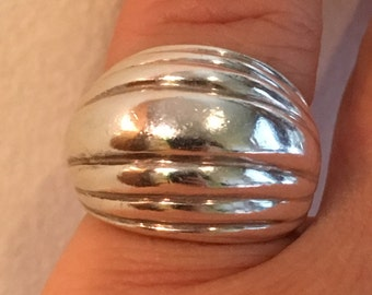 Heavy STERLING SILVER  Modernist 10.3 Grams Ring Size 8