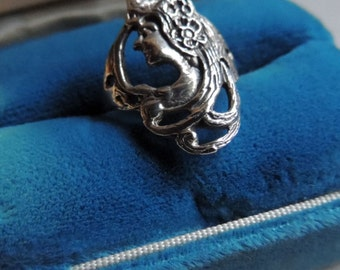 Art Nouveau sterling silver profile ring   VJSE