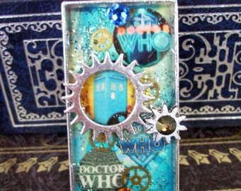 SPECIAL - Doctor Who Necklace (N516) - TARDIS Pendant - Gears and Rhinestones - Collage Image under Resin - Silverplated Tray and Chain