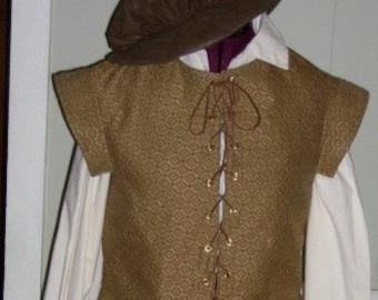 Man's Renaissance/midevil Costume  Size medium