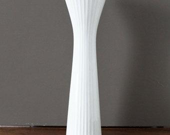 Rosenthal White Ceramic Akropolis Vase Hans Wohlrab, Vintage Vase Germany