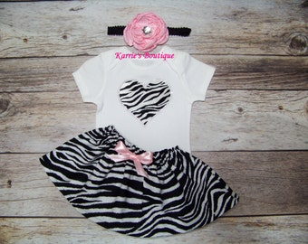 Zebra Bling Heart Outfit / Onesie or Shirt + Skirt / Rhinestones / Black & White + Pink / Infant/ Baby / Girl/ Toddler/ Boutique Clothing