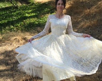 VTG 50's Wedding lace Swing Dress Sz 0 2 XS Tea length Bridal Gown Circle Skirt Tulle sequin