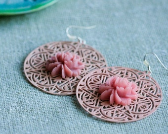 Pastel Peach Filigree Earrings Almond Color Flower Lace Earrings Floral Filigree Salmon Statement Jewelry Lightweight Peach Earrings - E318