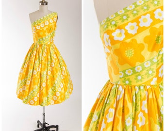 Vintage 1950s Dress • Love Me • Bright Printed Cotton 50s Vintage Dress Size Small