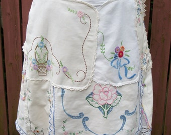 White Linen Skirt with Colorful Vintage Embroidery - Junk Gypsy Shabby Chic Style - Size 4