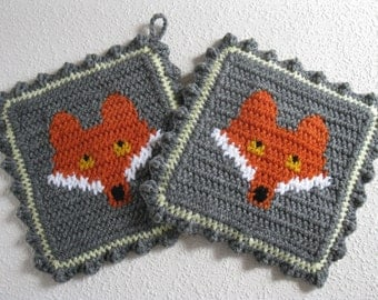 Fox Pot Holder Set. Grey crochet potholders with orange foxes. Woodland animal kitchen decor.