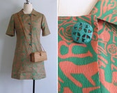 Vintage 70's 'Wacky Doodle' Asian Mod Green & Coral Dress XS or S