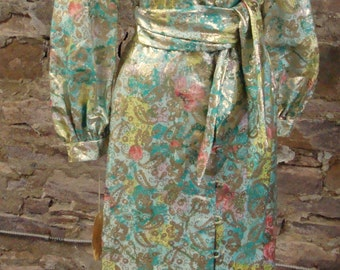 HOLLYWOOD REGENCY HOUSECOAT pastel and gold dressing gown S M