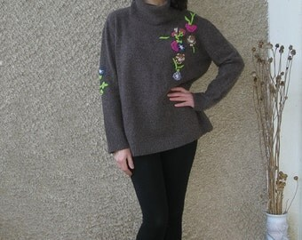 Vintage Lambswool-Angora Embroidered Turtleneck Sweater size M-L