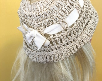 Vintage Crochet Hat Beige With Ribbon Bow  Open Top Gold Glitter Tweed Handmade 1950-1970 Pixie Tam Beanie  Bucket
