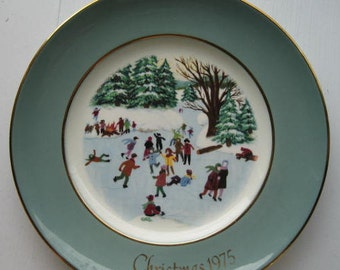 Avon collector plate.  1976.  Skating on the pond.  Country Christmas.