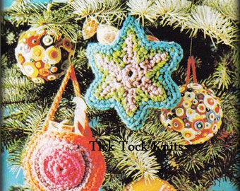 No.543 Crochet Pattern Candy Pocket Christmas Tree Ornaments PDF - Holiday Gift Card Holders - 1970's Vintage Retro Crochet Pattern