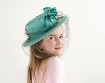 Vintage Teal Wool Felt Tilt Top Hat w/ Removable Veil - 1940's