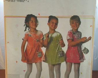 Uncut Simplicity 7493 Sizes 3 4 5 6 Pullover Swing dress T Shirt Dress Girls Factory Folded