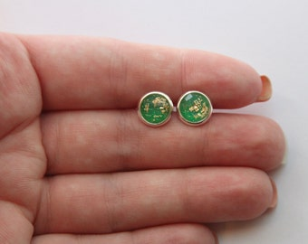 SMALL Green Gold Leaf Faceted Glitter Earrings - Posts/Studs 8mm Small