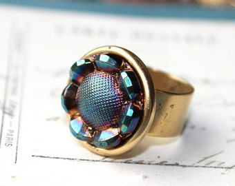 Iridescent Blue Ring adjustable, German Art Glass Ring Teal Blue with Flashes of color, Gold wide band Ring Vintage Button Jewelry veryDonna