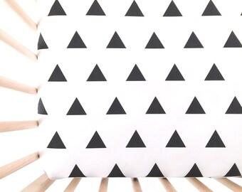Crib Sheet Black Triangles. Fitted Crib Sheet. Baby Bedding. Crib Bedding. Crib Sheets. Black and White Crib Sheet.