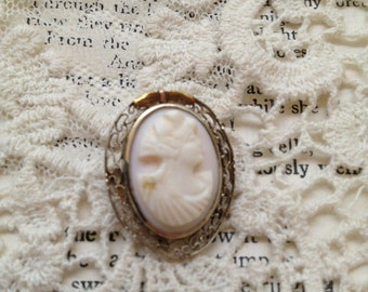 14k Filigree gold Sea Shell Cameo