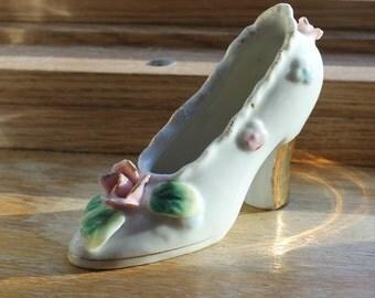 Porcelain Shoe Figurine - Vintage - Japan - Mid Century - Victorian - Collectibles - Roses - Home Decor - Cinderella Slipper - Gold Heel