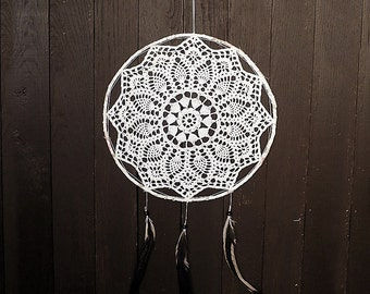 White dream catcher, wall hanging, large dreamcatcher, crochet doily, wall decoration, home decor, unique, handmade, doily dream catcher
