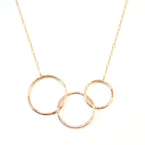 Gold Three Circles Necklace / Hammered Interlocking Circles / Gift for Mom / Sister Necklace