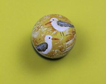 pulls, knobs, dresser knob. beach decor, seagull, birds, seaside, sandy beach cabinet knob, grey knob, yellow knob, upcycle furniture. Gulls