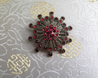 Vintage Brooch - Vintage Brooch with Red Stones - Brooch - Vintage Pin - Vintage Red Brooch - Red Brooch - Red Pin - Red Cluster Brooch