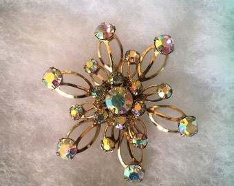 Vintage Aurora Borealis Starburst Brooch - Matte Gold Finish - 25 AB stones - Perfect fashion accessory