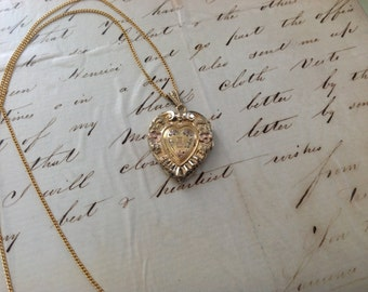 "PRICED To SELL - Vintage Gorgeous Yellow and Rose Gold Filled Heart Locket and Chain - 18"" -  Etsy andersonhs"