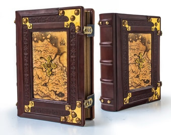 Medieval styled leather journal - 8 x 10 inches large - 700 pages - Unique blank book - Traveler sketchbook - Gamer handbook
