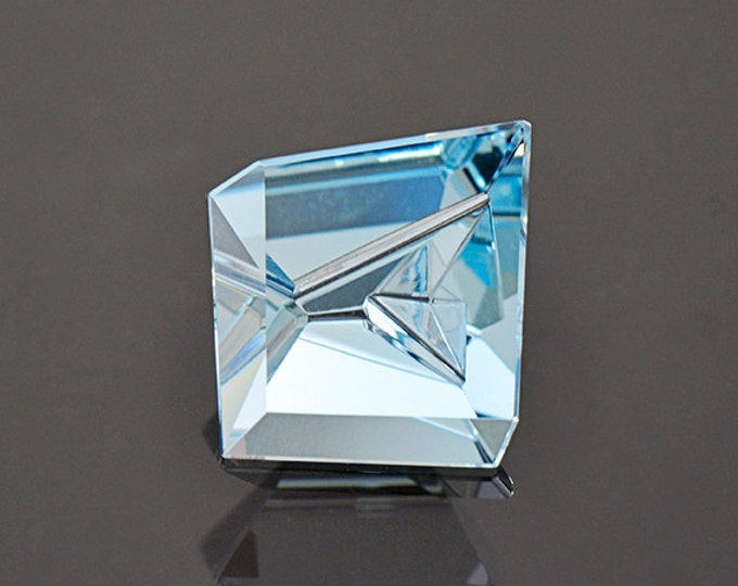 UPRISING SALE! Exquisite Carved Aquamarine Gemstone from Mozambique 4.48 cts