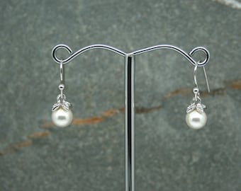 Pearl drop earrings, bridal earrings, swarovski pearl earings, bridesmaid earrings