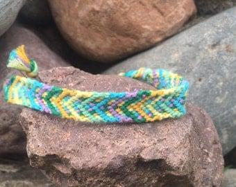 Lakeside Dreams // colorful bright arrow chevron friendship bracelet