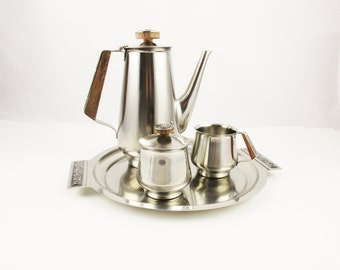 A 1960s Coffee Serving Set - Tray, Coffee Carafe, Creamer, Sugar Bowl -  'International' Decorator Stainless 18-8 - Beverage Server