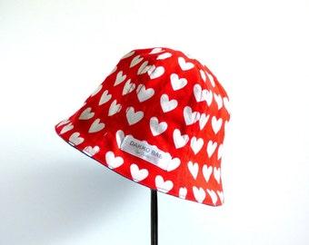 Valentine gift for girl, heart print baby girl sun hat, Red summer hat for girl, toddler summer hat, 1st Birthday gift -  made to order