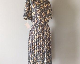 sea glass leaf print dress | 40s inspired day dress | pleated skirt