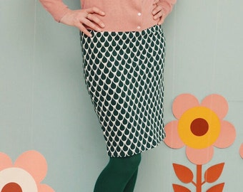 "Pencil skirt ""LISTEN TO r DROPS"" in green"