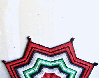 SALE Large Vintage God's Eye - Vintage Ojos De Dios - Hand Woven Wall Art - Vintage Macrame - Vintage Handmade God's Eye - Rustic Decor