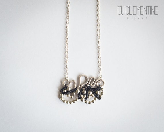 Black gipsy pendant