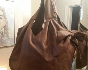 Hobo bow purse