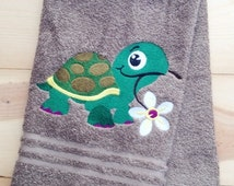 Turtle Towel ~ Embroidered Turtle hand Towels~ Bath Towels~ Beach Towels~ Kitchen Towels~ Kids Towel