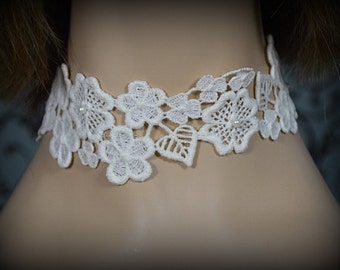 Vintage Wedding Bridal Floral Fabric Choker