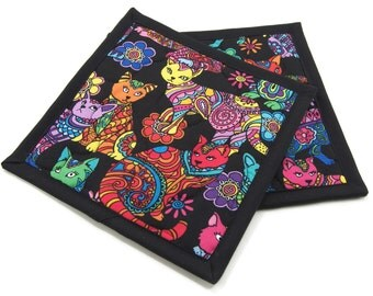 Quilted Cat Potholders, Fabric Hot Pads - Colorful Bright Cats on Black Cotton Pot Holders Set of 2 - 8 Inch Square