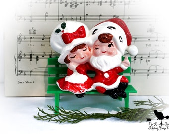 Santa and Mrs Claus Figurine Sitting on Bench, Retro Holiday Decor, Christmas Decor, Xmas Collectible